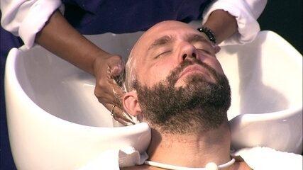 Caruso recebe massagem no dia da Beleza