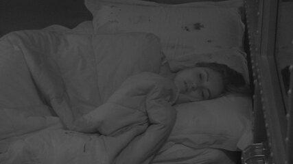 Jéssica continua dormindo no Quarto Submarino