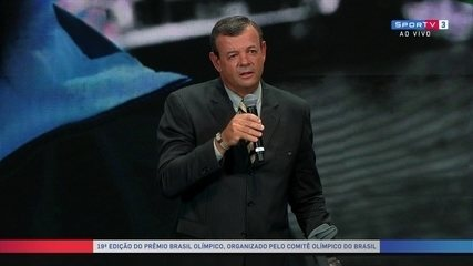 Lars Grael faz discurso emocionante na entrega do prêmio Brasil olímpico