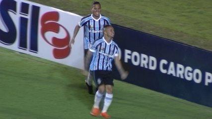 Veja o golaço de Everton contra o Goiás