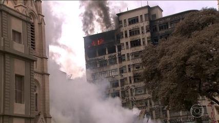Cinco prédios ao redor de escombros de desabamento em SP estão interditados