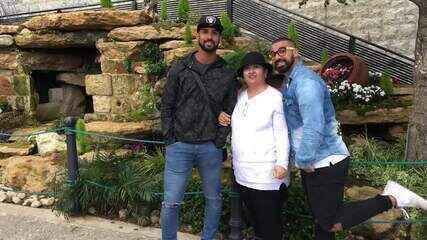 Mohamad e Hussein visitam a mãe no Líbano após o 'The Wall'