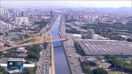 Capital conta com 74 veículos para cada 100 moradores, revela pesquisa feita pela CET