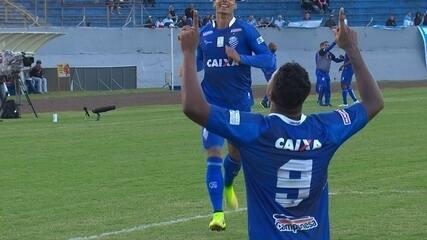 Michel marca na vitória do CSA por 2 a 1 sobre o Londrina