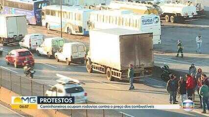 Protesto de caminhoneiros fecha parte da Rodovia Fernão Dias, na Grande BH