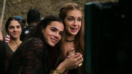 Bruna Marquezine se emociona ao gravar cena de briga entre Catarina e Amália