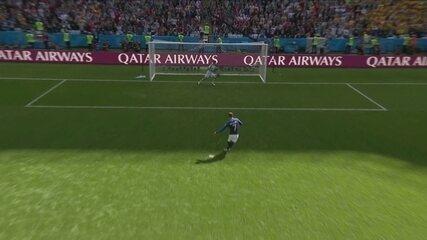 Gol da França! Com ajuda do VAR, Griezmann abre o placar com 12' do 2º tempo
