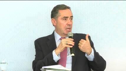 Ministro Barroso defende reforma política em encontro com jornalistas