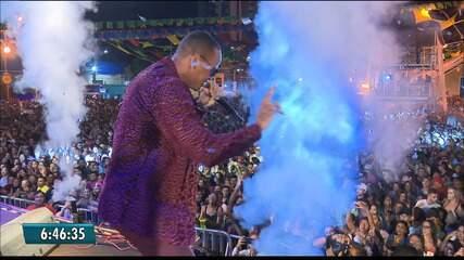 Léo Santana realiza sonho com show inédito no São João de Campina Grande
