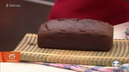 Cozinheira ensina a fazer pão de banana para o café da manhã