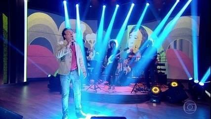 Moacyr Franco canta 'Tudo Vira Bosta'