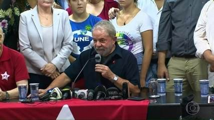Presidente do TRF-4 decide manter ex-presidente Lula na prisão