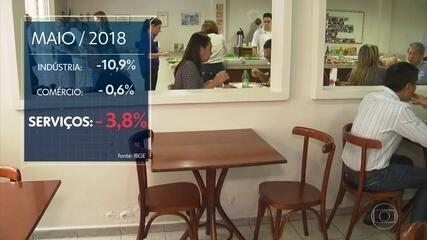 Greve dos caminhoneiros derruba setor de serviços, que responde por 70% do PIB