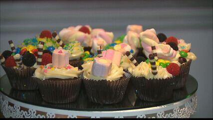 Chef JPB: Aprenda a fazer churros falsos e cupcake de chocolate