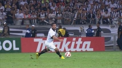 Reveja o escorregão de Ferreyra na final da Libertadores 2013