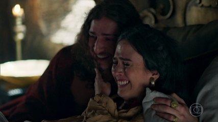 Rodolfo e Lucrécia comemoram o nascimento de seus filhos