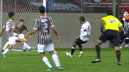Gol do Atlético-MG! Thiago Ruan faz boa jogada e Guilherme marca, aos 34' do 1ºT