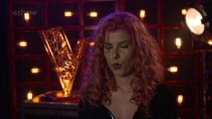 Confira a emoção de Isa Salles instantes antes de subir ao palco do 'The Voice'