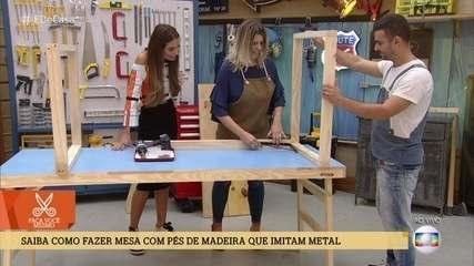 Saiba como fazer mesa com pés de madeira que imitam metal