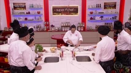 Participantes do 'Super Chef Celebridades' têm workshop de utensílios de cozinha