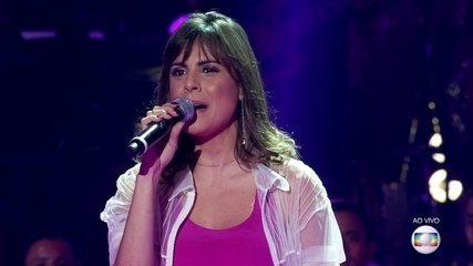 "Mariá Pinkusfeld canta ""Espumas ao Vento"""