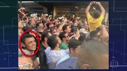 Agressor acompanhou Bolsonaro à espera da oportunidade para atacar