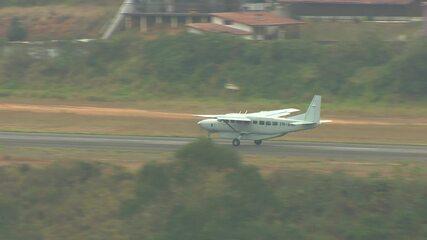 Avião com Adélio Bispo de Oliveira deixou o aeroporto de Juiz de Fora na manhã deste sábado.