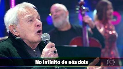 Carlos Lyra canta 'Minha Namorada'