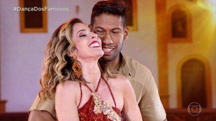 Déborah Evelyn e Rodrigo Oliveira surpreendem no forró