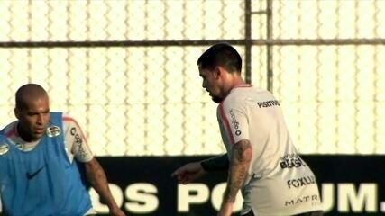 Flamengo diz que denunciará o Corinthians se Fagner for escalado