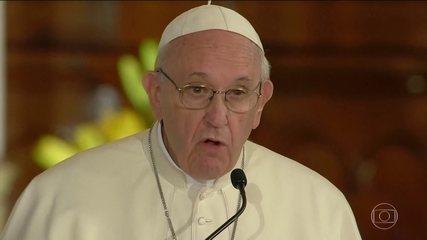 Papa diz reconhecer que os escândalos de pedofilia tornaram a igreja irritante para jovens