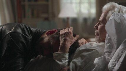 Vicente pede que Alain perdoe Isabel e grave filme sobre história de Julia Castelo