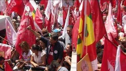 Candidato do PT, Fernando Haddad, fez campanha em Belém e Goiânia