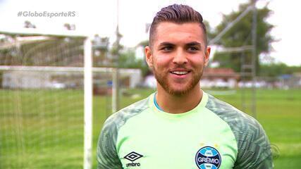 Goleiro de 19 anos da base do Grêmio é convocado para a Seleção Brasileira