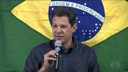 Candidato do PT, Fernando Haddad parabeniza professores e defende escola em tempo integral