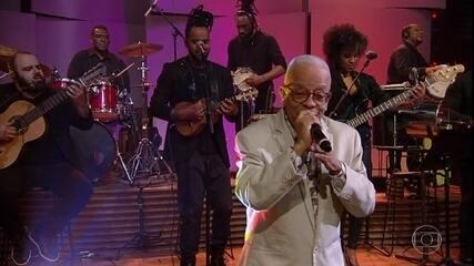 Nei Lopes canta ''Samba de Irajá''