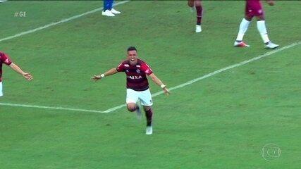 Uribe vira esperança para ataque do Flamengo voltar a ser eficiente