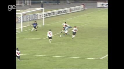 Confira os gols River Plate 1x2 Grêmio em 2002