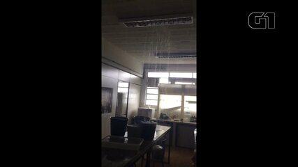 Laboratório da UEPG alaga e alunos perdem pesquisas