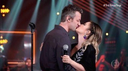 Sandy e Lucas Lima cantam 'Areia' no palco do 'SóTocaTop'