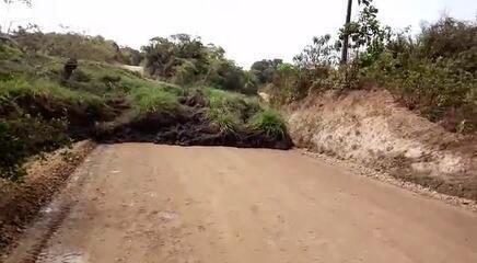 Deslizamento em mineradora provoca interdição em Godofredo Viana