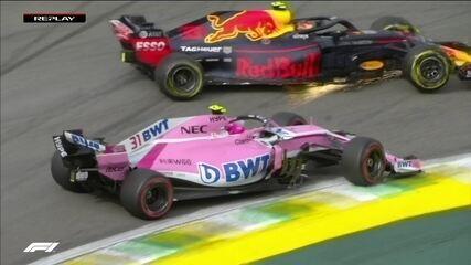 Ocon toca e tira líder Verstappen da pista