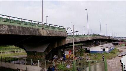 Prefeitura de São Paulo declara que viaduto que cedeu pode desabar