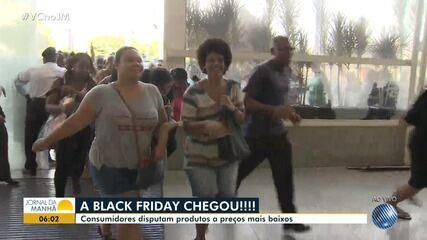 Black Friday: consumidores vão às compras nesta sexta-feira (23)