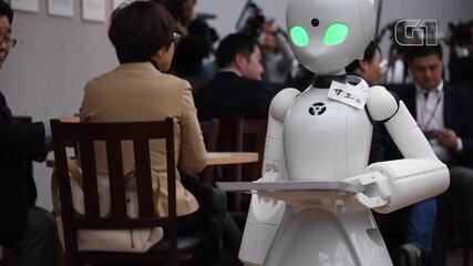 Robôs garçons são controlados por pessoas com deficiência no Japão