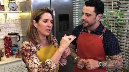 Renata Capucci e Felipe Titto na cozinha