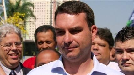 Sete servidores fizeram depósitos na conta de ex-assessor de Flávio Bolsonaro, diz Coaf