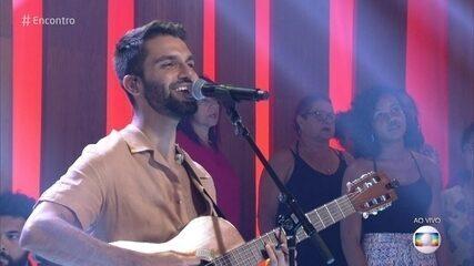 Silva canta 'Fica Tudo Bem'