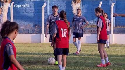 Meninas vivem o sonho de se tornarem jogadoras profissionais de futebol