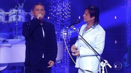 "Roberto Carlos e Alejandro Sanz cantam ""Esa Mujer"""